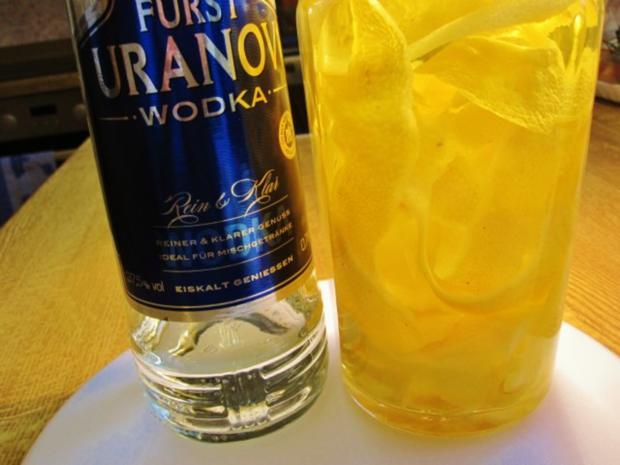 """Zitronenlikör """"Limoncello"""" - von selbst geernteten Zitronen - Rezept - Bild Nr. 4"""