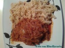 Fleischgerichte: Nackensteak mit Zwiebeln und lecker Soße - Rezept