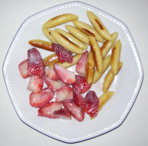 Erdbeeren gebraten in Kokosmilch mit Schupfnudeln - Rezept - Bild Nr. 3