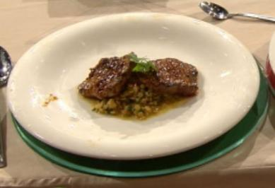 Rezept: Medaillons vom Roastbeef mit Orangen-Linsen-Salat (Laith Al-Deen)