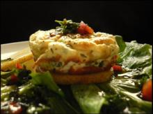 Ziegenkäse-Törtchen mit Birne und Kräuter-Vinaigrette - Rezept