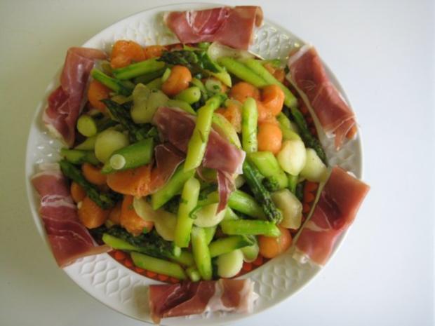 Spargel - Melonen - Salat - Rezept - Bild Nr. 2