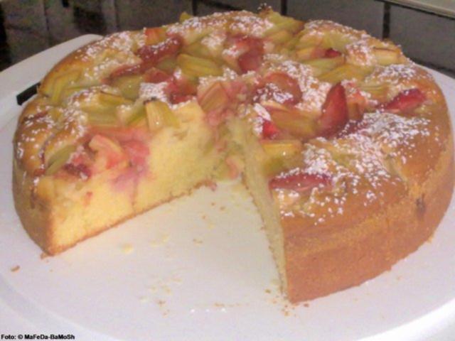 Erdbeer Rhabarber Joghurtkuchen Rezept Kochbar De