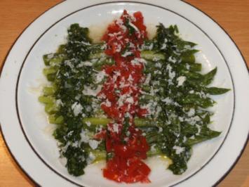 Gemüse: Grüner Spargel mit Bärlauch-Vinaigrette und Räucherforelle - Rezept