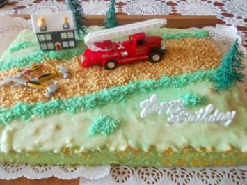 KINDEr -Geburtstagskuchen Feuerwehr + Fussball - Rezept