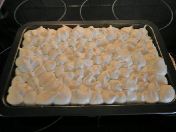 Baiser - Rhabarber - Kuchen ... - Rezept - Bild Nr. 11
