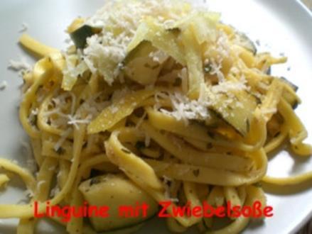 Linguine an Zwiebelsoße mit Salbei und Parmesan - Rezept