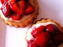 Erdbeer-Vanille-Törtchen - Rezept