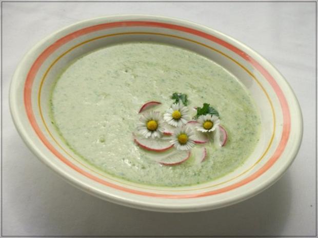 ~✿~  Radieschensuppe mit Gänseblümchen  ~✿~ - Rezept - Bild Nr. 2