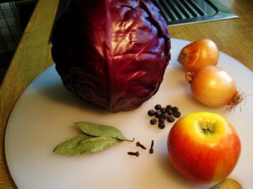 Rotkohl mit Apfel - Rezept