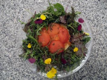 Tarte Tatin von der Tomate an Frühlingssalat - Rezept