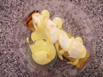 Rhabarber-Crêpe und Vanilleeis mit Baiser überbacken - Rezept