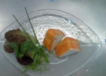Ziegenfrischkäsemus auf Salatarrangment - Rezept
