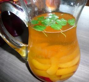 Bowle mit Aprikosen - Rezept