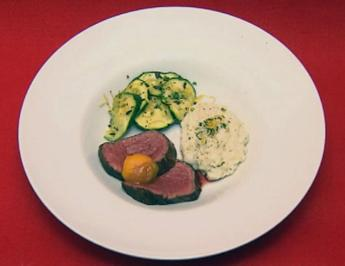 Lecker Fleisch mit Gedöns - Rinderfilet mit Risotto und Zucchini (Claudelle Deckert) - Rezept