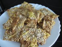 Dinkel-Vollkorn-Knäckebrot mit Sesam und Käse - Rezept