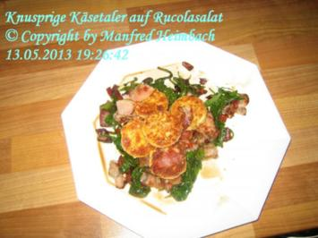 Käse – Knusprige Käsetaler auf Rucolasalat - Rezept