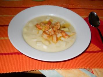 Spargelcremesuppe mit Garnelen - Rezept