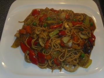 Gemüsepfanne mit Vollkornspaghetti Asia Art - Rezept