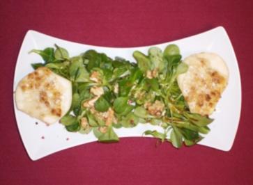 Gebackene Birnen mit Gorgonzola-Füllung auf Feldsalat - Rezept