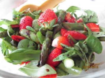 Spargel-Erdbeer-Salat - Rezept