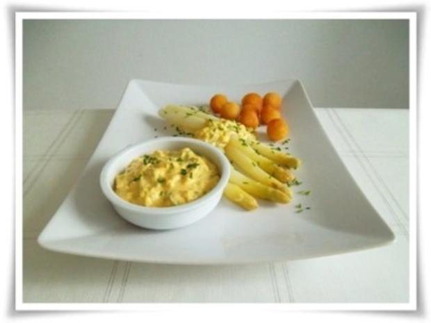 Spargel mit selbstgemachter Bozner Sauce und Kartoffelbällchen dazu. - Rezept - Bild Nr. 20