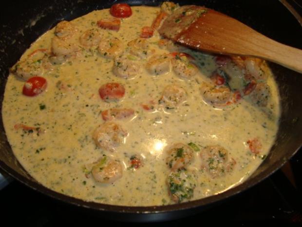 Pasta mit Garnelen in einer Kräuter-Sahnesauce - Rezept - Bild Nr. 5