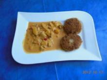 Vegetarisch:Quinoa-Bratlinge mit Paprika-Pilz-Soße - Rezept