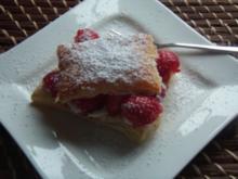 Frische Erdbeeren auf Blätterteig mit Sahne - Rezept