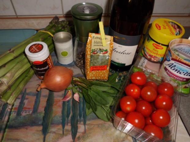 Suppe: Grüne Spargel-Pesto-Cremesuppe mit Ei, Tomate und Wurst - Rezept - Bild Nr. 2