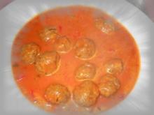 Tomatencremesuppe mit Fleischbällchen - Rezept