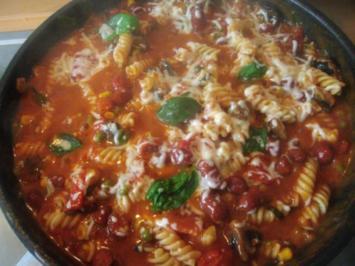 Cabanossipfanne mit Gemüse ,Tomaten und Nudeln - Rezept