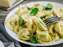 Pasta - Ravioli, selbst gemacht, mit Spinat-Ricotta-Parmesan-Füllung - Rezept - Bild Nr. 15