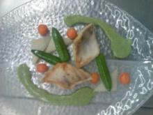 Zanderfilet mit Erdäpfel- Petersilie- Soße und tounierten Gemüse - Rezept