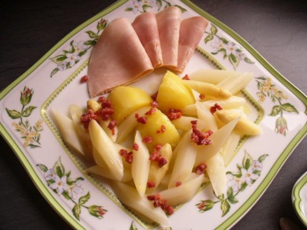 Frischer Spargel mit Kartoffeln und gekochtem Schinken - Rezept