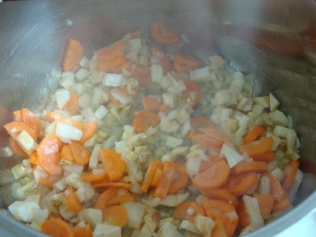 """Süßkartoffelsüppchen mit """"Tomaten Topping"""" - Rezept - Bild Nr. 8"""