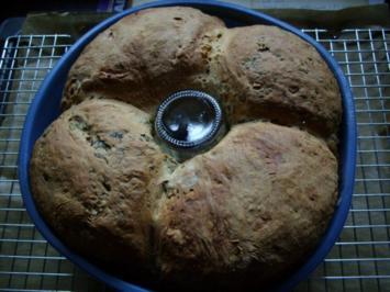 BROT: Zweierlei Brot im Ring - Rezept
