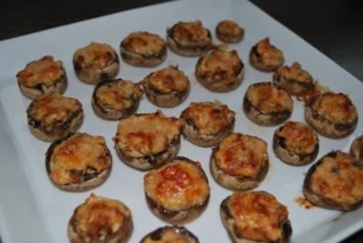 Gefüllte Champignons mit Tomaten-Frischkäse - Rezept
