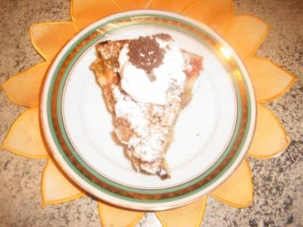 Rhabarberkuchen mit Mandelstreuseln - Rezept