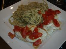 Mozzarella-Schnitzel mit Pesto-Spaghetti - Rezept