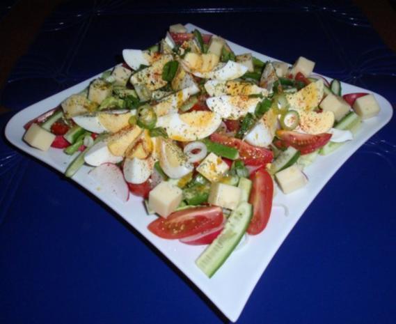Bunter Frühlingssalat mit Eier und Käsewürfel - Rezept - Bild Nr. 11