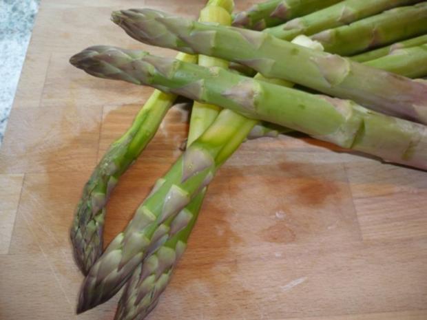 Putenoberkeule im Bratschlauch mit Gemüse-Crossover und Thymiansahnesauce - Rezept - Bild Nr. 10