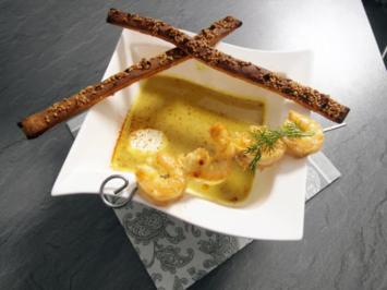 Pastinaken-Curry-Cremesuppe mit Scampi-Spieß - Rezept