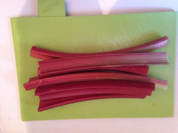 Rotkäppchens-Erdbeer-Rhabarber-Muffins - Rezept - Bild Nr. 2
