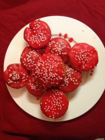 Rotkäppchens-Erdbeer-Rhabarber-Muffins - Rezept