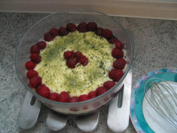 Süßspeisen + Desserts: Einfacher Vanillepudding mit dreierlei Obst - Rezept - Bild Nr. 3
