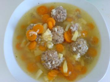 Russische Frikadellen Suppe - Rezept
