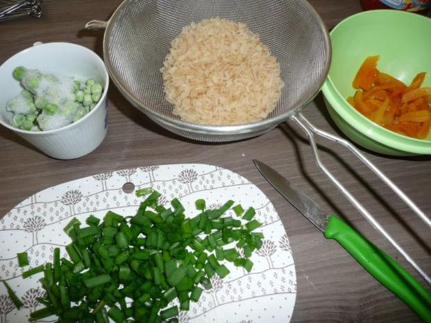Putenröllen in Tomaten an Safranreis. - Rezept - Bild Nr. 5