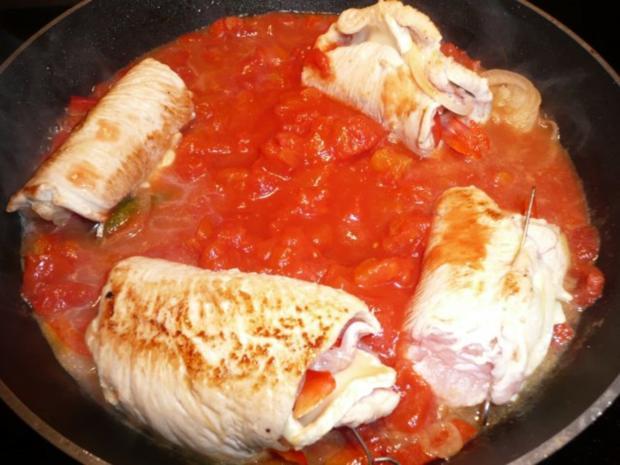Putenröllen in Tomaten an Safranreis. - Rezept - Bild Nr. 9