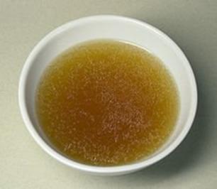 Klare Fleischbrühe - Rezept